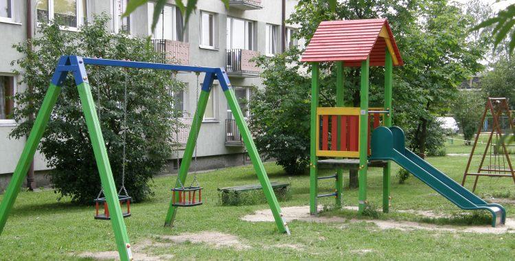 Drewniane Place Zabaw - Osiedle Piastowskie w Strzelnie, widok ogólny